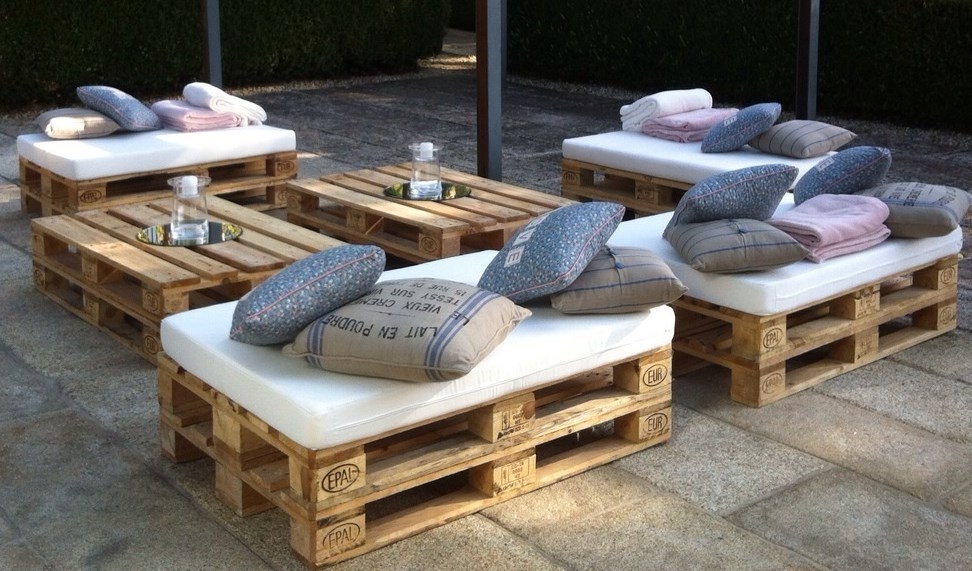 5 ideas para transformar viejos palets for Muebles palets jardin